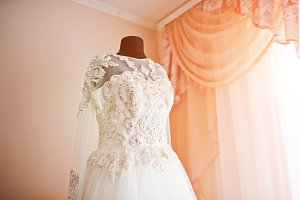 Elegance rich wedding dress on manne