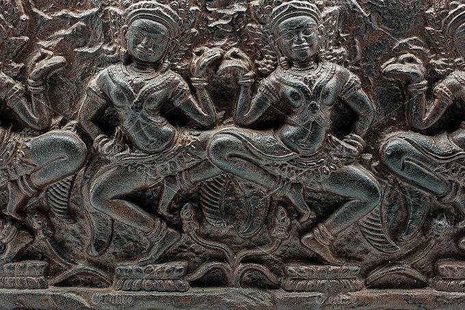 Carving candle. Hindu dancers - Arts & Entertainment