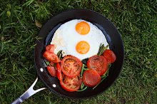 Tomatoes, french bean and eggs