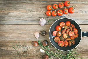 Roasted cherry-tomatoes with garlic