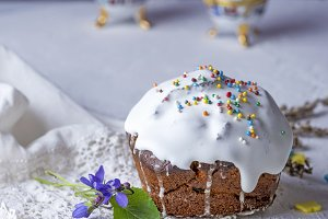 Easter baking with white sugar glaze