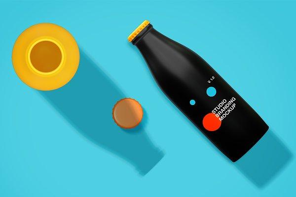 Product Mockups: P.Graphic - Studio branding mockup