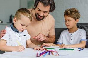portrait of family drawing pictures