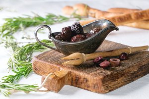 Black olives and grissini bread