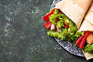 Tortilla wraps with  chicken fille