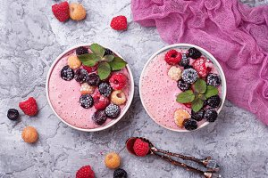 Smoothie bowl with frozen berry