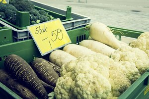 bio fruit and vegetable farmer's market