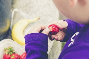 child crop bio strawberry