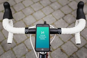 iPhone 6 Space Gray on bicycle