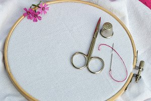 wooden round hoop with white fabric