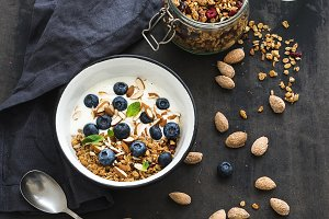 Oat granola with fresh blueberries
