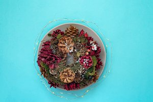Plates with on Christmas wreaths