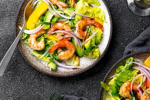 Fresh Shrimps, Mango Avocado lettuce