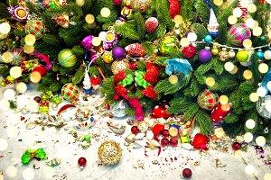 Christmas tree broken decoration orn
