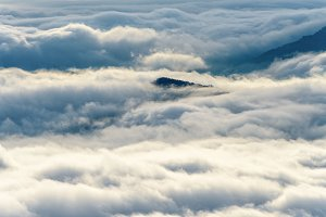 Clouds and fogs like the sea
