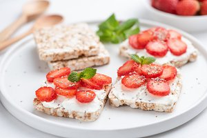 Healthy rice crispbread snack