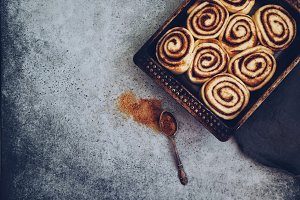 Raw cinnabon