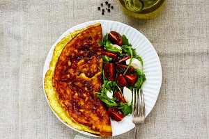 Omelette with caprese salad