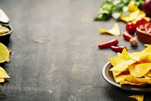 Nachos with Vegetables and dip