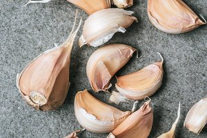 top view of ripe garlic cloves with