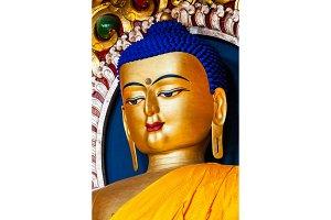 Sakyamuni Buddha statue