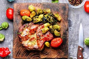 Beef steaks with grilled vegetables