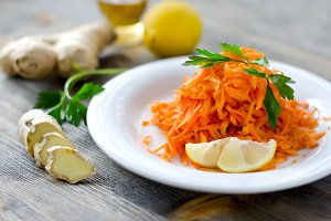 Fresh carrot salad with ginger