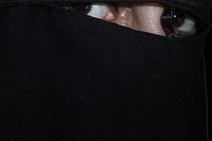 arabic woman with black niqab