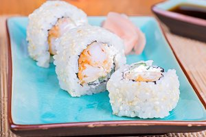 California maki sushi with tempura