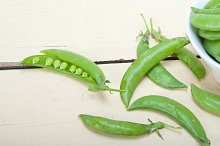 fresh green peas 007.jpg