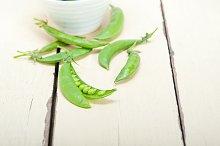 fresh green peas 013.jpg