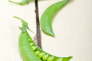fresh green peas 015.jpg