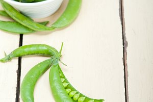 fresh green peas 017.jpg
