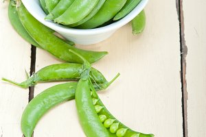fresh green peas 024.jpg