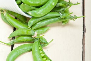 fresh green peas 028.jpg