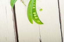 fresh green peas 052.jpg