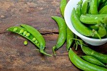 fresh green peas 063.jpg