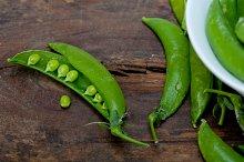 fresh green peas 064.jpg