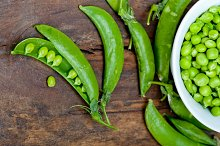fresh green peas 071.jpg