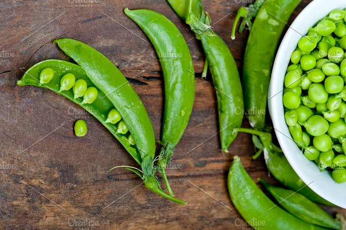 fresh green peas 071.jpg - Food & Drink