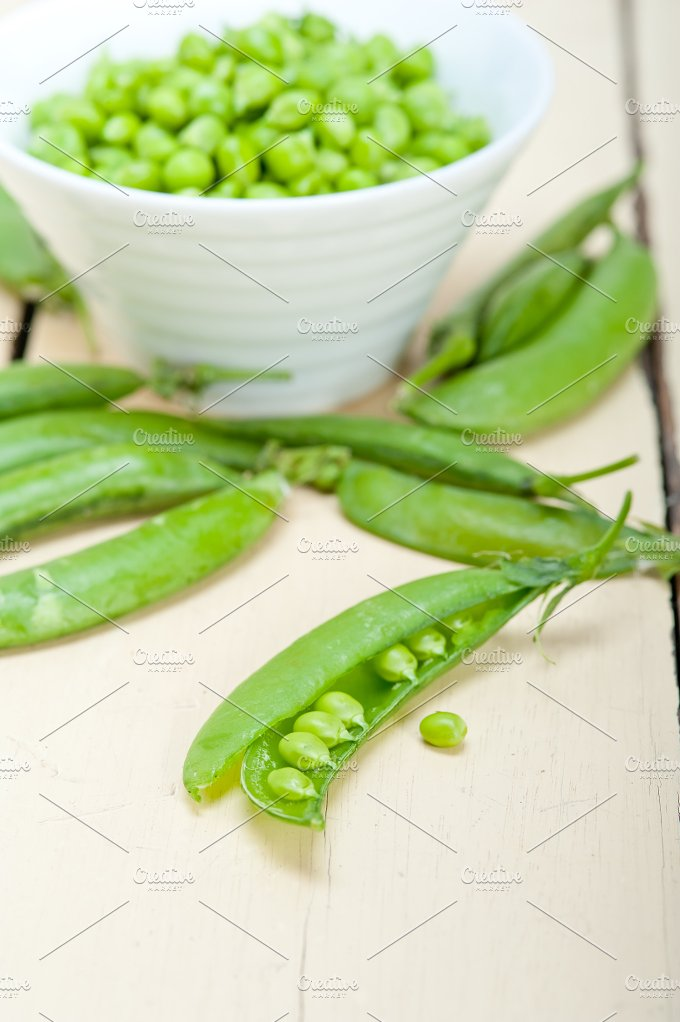 fresh green peas 086.jpg - Food & Drink