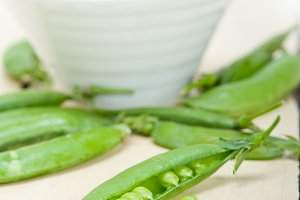 fresh green peas 087.jpg