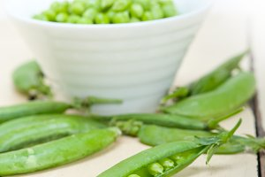 fresh green peas 088.jpg