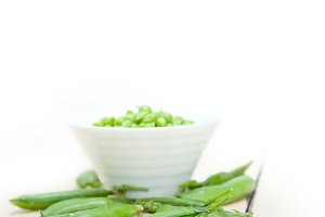 fresh green peas 089.jpg