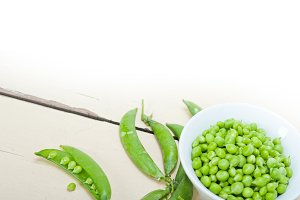 fresh green peas 096.jpg