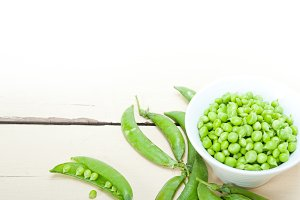 fresh green peas 095.jpg