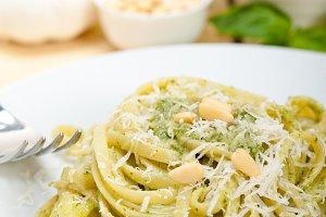 Italian classic trenette pasta and basil pesto sauce 003.jpg