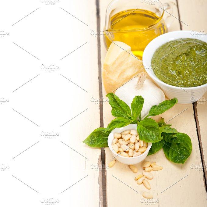 Italian organic basil pesto sauce ingredients 004.jpg - Food & Drink