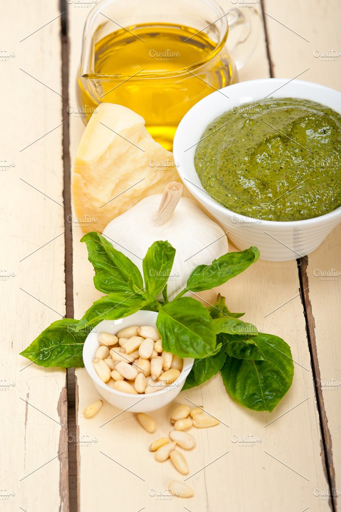 Italian organic basil pesto sauce ingredients 005.jpg - Food & Drink