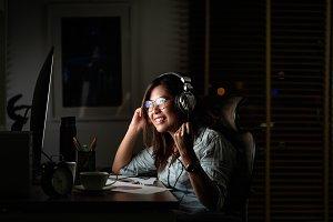Portrait of Asian Businesswoman list